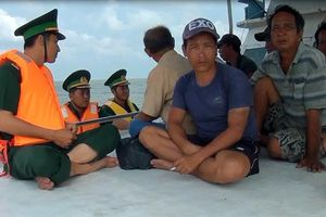 Cứu tám ngư dân gặp nạn trên biển tại Bến Tre