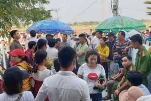 Vụ người mua đất 'bao vây' đòi sổ đỏ: Đại diện 2 công ty bị giữ lại