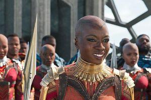 Bị chỉ trích dữ dội, Marvel thêm tên diễn viên da màu vào poster 'Avengers 4'