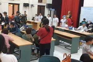 Nghi bị trường cho 'ăn bẩn', hàng trăm học sinh mầm non Bắc Ninh được đưa đi xét nghiệm