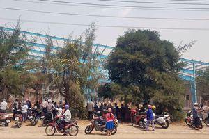 Số người chết vụ sập tường nhà xưởng ở Vĩnh Long tăng lên