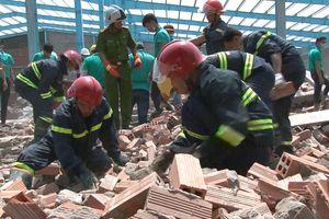 Tin mới nhất vụ sập nhà xưởng ở Vĩnh Long làm 6 người tử nạn