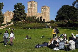 Bê bối chạy trường đại học phản ánh vấn đề sắc tộc tại Mỹ