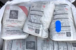 Xi măng Hoàng Mai xuất khẩu đóng bao bì Long Sơn: Lỗi do vô ý?