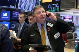 Bấp bênh thương mại đẩy S&P 500 giảm điểm
