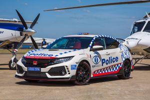 Ngắm xe thể thao đường phố Honda Civic Type R 'hô biến' thành xe cảnh sát