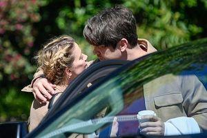 Amber Heard ngọt ngào hôn bồ mới trên phố sau khi chia tay Johnny Depp
