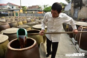 Cận cảnh quy trình sản xuất nước mắm truyền thống, 2 năm mới cho ra thành phẩm