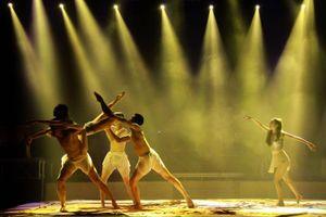 Công diễn chương trình đoạt 8 huy chương tại Liên hoan Ca múa nhạc toàn quốc đợt 2
