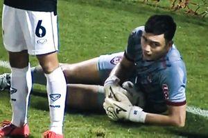 Tình huống Đặng Văn Lâm cứu thua cho Muangthong United ở phút 90+6