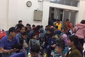 Thêm hơn 350 trẻ ở Bắc Ninh về Hà Nội xét nghiệm sau khi ăn thịt bẩn ở trường