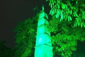 Tháp Bút 'nhuộm xanh' kỷ niệm Ngày Quốc khánh Ireland