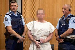 Tay súng tấn công nhà thờ Hồi giáo ở New Zealand thản nhiên khi ra tòa