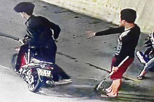 'Lộ' biển số xe máy của nhóm người vào hầm Phước Tượng gây rối