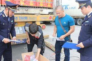 Xúc tiến thương mại qua cặp cửa khẩu Móng Cái (Việt Nam)-Đông Hưng (Trung Quốc).
