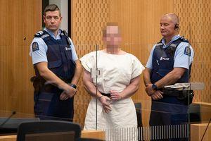 Hình ảnh đầu tiên của sát thủ hàng loạt tại New Zealand khi ra tòa sáng nay
