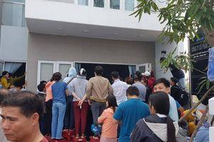 Dân vây công ty BĐS: Bên muốn tiếp tục hợp đồng, bên nhất quyết lôi ra tòa