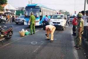 Hai nữ tu sang đường bị ô tô tông tử vong