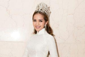Hoa hậu Ngọc Châu hóa nữ thần khi diện dáo dài trắng, đội vương miện