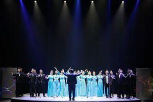 Nhà hát Ca Múa Nhạc Việt Nam công diễn chương trình nghệ thuật 'Lưỡng cực'