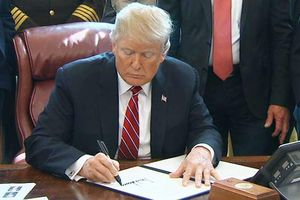 Tổng thống Donald Trump phủ quyết yêu cầu của Quốc hội