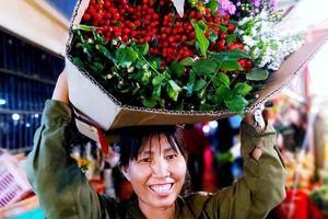 Sắc màu chợ hoa 'không ngủ'