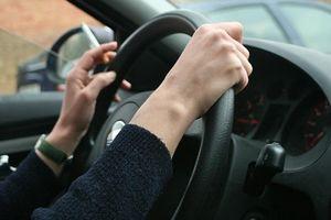 Những cách khắc phục khi xe hơi bị 'ám' mùi thuốc lá