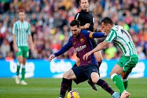 Barcelona phục hận Betis và tiếp tục giấc mơ 'cú ăn ba'?