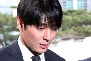 Choi Jong Hoon đã được thả về sau khoảng thời gian điều tra dài kỷ lục với cơ quan điều tra