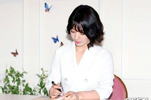 Chê Park Shin Hye già nua, K-net còn khuyên: 'Chia tay Choi Tae Joon đi, anh ta giống Jung Joon Young'
