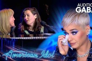 American Idol 2019 - Katy Perry khóc, gọi điện cho mẹ