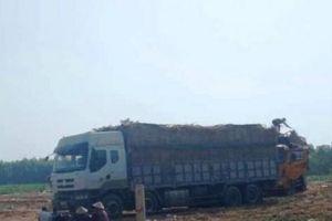 Diễn biến nóng vụ nhóm người 'giam lỏng' 3 xe chở dưa của tài xế