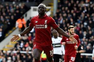 Liverpool thắng nghẹt thở Fulham 2-1