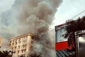 Cháy lớn tại tổ hợp khách sạn Avatar, nhiều người hoảng loạn
