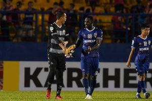 Mắc lỗi nghiêm trọng ở AFC Cup, thủ môn Tấn Trường bị 'treo găng' hết giai đoạn 1