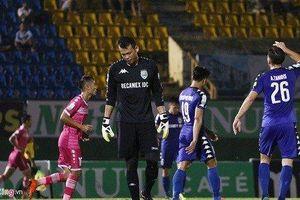 Sai lầm tai hại ở AFC Cup, Tấn Trường bị treo găng đến hết lượt đi V.League