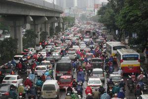 Ô tô dàn hàng, đường dự kiến cấm xe máy tê liệt trong sáng đầu tuần