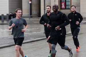 Tỷ phú Mark Zuckerberg bị mù màu, không dùng siêu xe hay nhiều sự thật thú vị khác