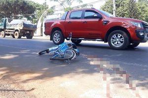 Bị xe khách kéo lê trước cổng trường, học sinh lớp 7 thiệt mạng