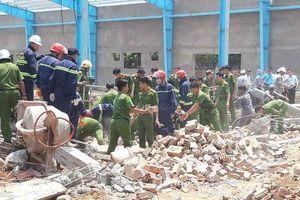 Sập tường khiến 6 người chết: Chủ tịch Vĩnh Long lên tiếng