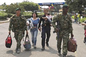 Gần 1.000 binh lính, cảnh sát đào ngũ khỏi Venezuela