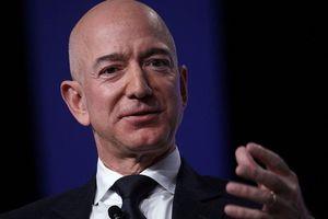 WSJ: Báo lá cải chi 200.000 USD mua tin nhắn nhạy cảm của tỷ phú Bezos
