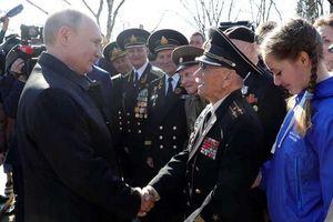 TT Putin tới Crimea khai trương hai nhà máy điện