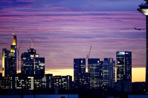 Anh: Một loạt ngân hàng lớn chuyển nhân viên sang các nước khác trong EU