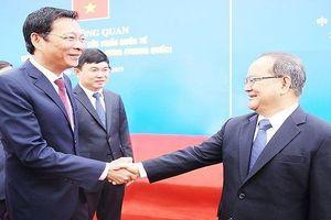 Thông quan cầu Bắc Luân II nối TP Móng Cái với TP Đông Hưng, Trung Quốc