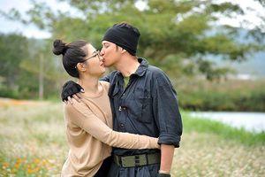 Huy Khánh: 'Tự tin không để vợ ghen khi đóng phim với gái đẹp'