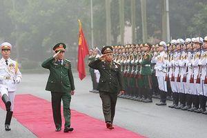 Việt Nam-Lào: Hợp tác quân đội thúc đẩy quan hệ hai nước bền vững