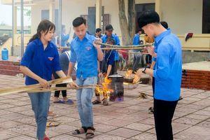 'Nấu cơm di động' thu hút nhiều bạn trẻ tham gia