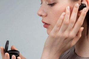 Redmi ra mắt tai nghe True wireless AirDots: Bluetooth 5.0, pin 4 giờ, giá 15 USD