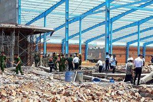 Hé lộ nguyên nhân ban đầu vụ sập công trình làm 6 người chết ở Vĩnh Long